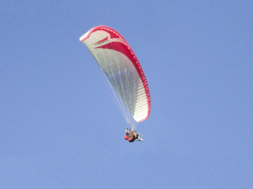 Vendre: Gradient BiGolden Tandem Paraglider and Harness.