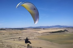 Vender: Ozone Rush 3 S, 70-90 total flight weight, 2012, 80 hrs.