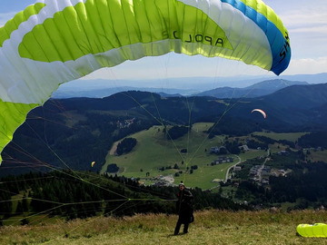 Selling: Sky Paragliders Apollo 2  Made 07/2020 color LIME